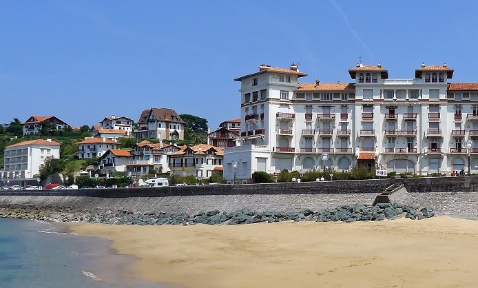Biarritz : a major seaside resort in Aquitaine