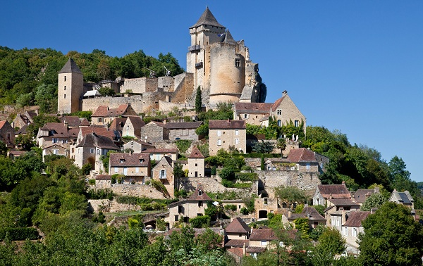 Castelnaud le Chapelle and the most popular castle of Dordogne